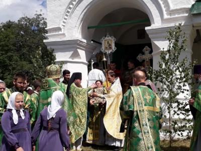 В воскресенье отмечался праздник Святой Троицы