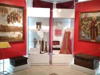 Октябрьский Углич приглашает на занятия по экспресс-выставке, приуроченной к празднику Покрова Пресвятой Богородицы