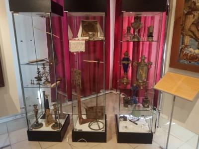 """История света """"от лучины до лампочки"""" на выставке в Угличе"""
