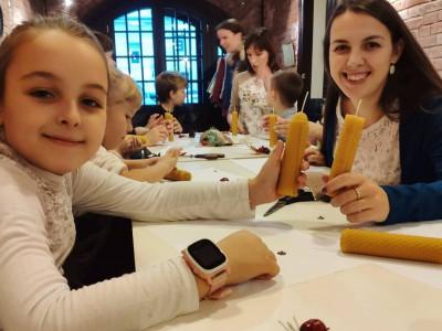 В минувшие выходные состоялся первый мастер-класс по изготовлению свечей из натуральной вощины